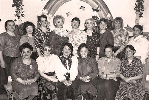 """Коллектив детского сада """"Алёнушка"""" всегда был дружный, слаженный и творческий. 1992 год."""